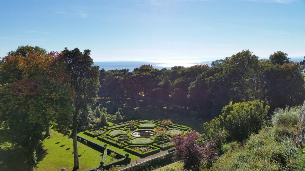 Dun robin Castle, Scotland - Garden View