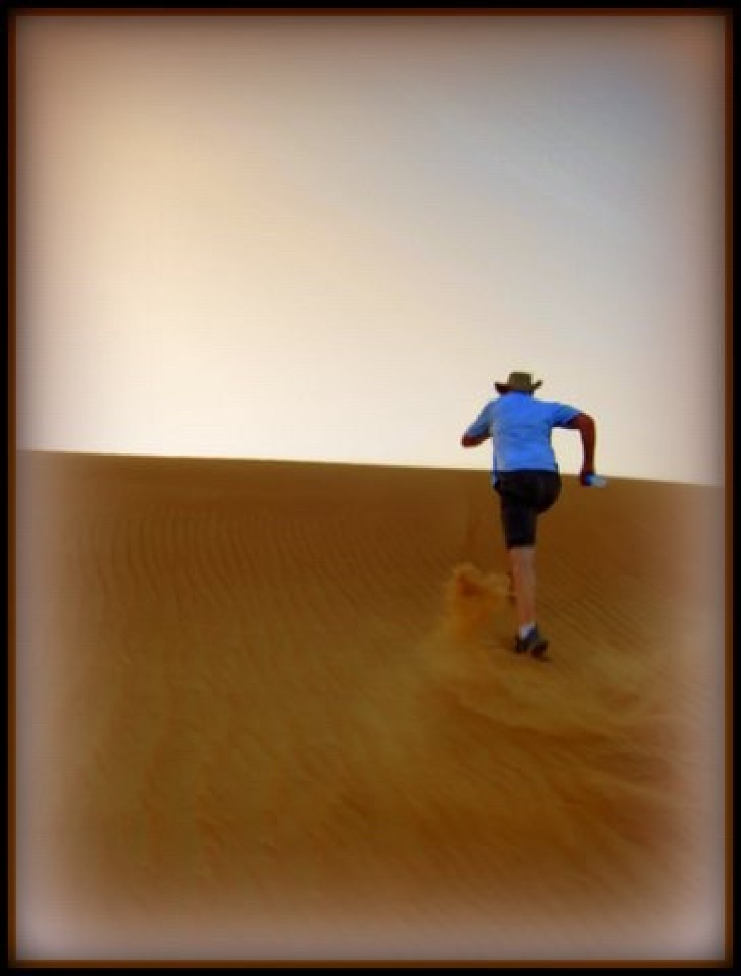 Running Up the Sand Dunes in Dubai!